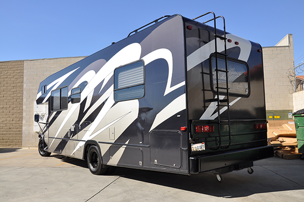 thor-class-c-motorhome-wrap-for-a-family-8.png