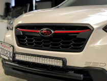 Center Grille Pinstripe  (2017+ Crosstrtek)