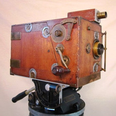 Chronik Brothers Wood Hand Crank 35mm Movie Camera (c.1909) - SOLD