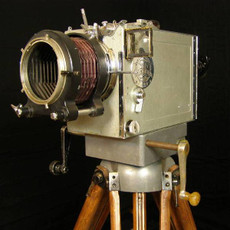 Debrie Parvo 35mm Hand Crank Movie Camera & Tripod