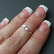 Sideways Arrow Midi Ring - 925 Sterling Silver