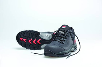 Mack Boots Kelpie, Lace Up Slip and Water Resistant Hiking Shoe, Black