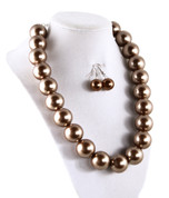 Pearl Necklace with Drop Earrings - Luminous