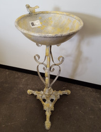 light metal bird bath