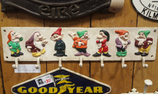 7 dwarfs coat hook