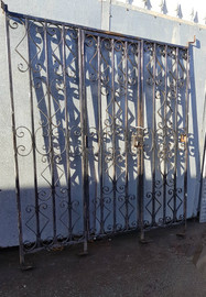 gate with 2 side panels