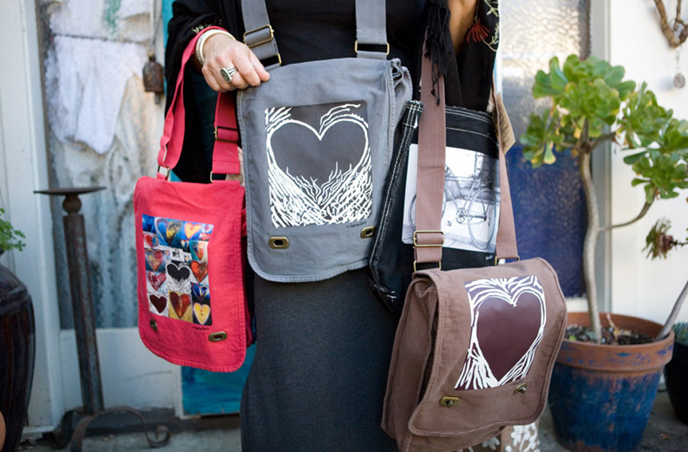 http://cdn2.bigcommerce.com/server5300/pgv2f/product_images/uploaded_images/stasia-bags.jpg