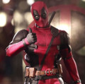 DEADPOOL 1/6 SCALE - HOT TOYS ACTION FIGURE- MOVIE MASTERPIECE SERIES MMS