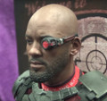 DEADSHOT HOT TOYS SUICIDE SQUAD SIXTH SCALE FIGURE -MMS