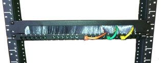 "19"" Horizontal Feed Thru Brush Panel, 1u"