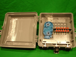 Outdoor Fiber Distribution Box with 6 ST MM and Splice Tray