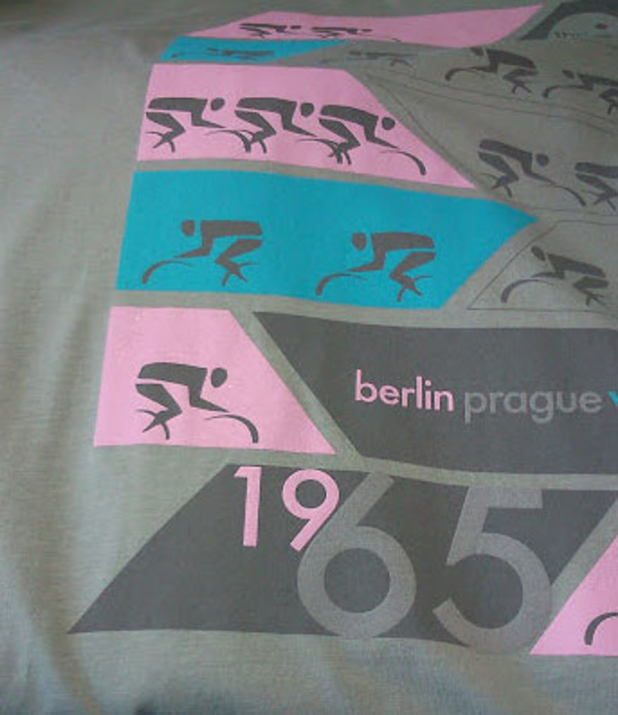 Peace race cycling T shirt close up