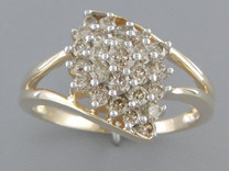 0.80 cts Diamond Cluster Ring 14Kt Yellow Gold Style R54716