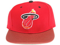 Miami Heat Basketball Leather Brim Mitchell & Ness Red Snapback Hat