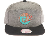 Vancouver Grizzlies Rubber Logo Mitchell & Ness Grey Denim 5-Panel Strapback Hat