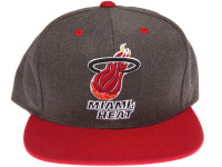Miami Heat Logo Mitchell & Ness Dark Tones Grey Snapback Hat