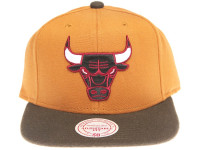 Chicago Bulls Logo Mitchell & Ness Tan Canvas Snapback Hat
