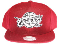 Cleveland Cavaliers White & Black Logo Mitchell & Ness Maroon Snapback Hat
