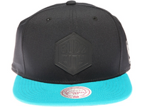 Charlotte Hornets Buzz City Black Weld Logo Mitchell & Ness Black and Teal Blue Snapback Hat