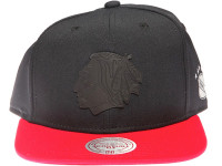 Chicago Blackhawks NHL Black Weld Logo Mitchell & Ness Black and Red Snapback Hat