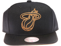 Miami Heat Gold Logo Leather Brim Mitchell & Ness Black Snapback Hat