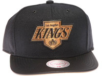 Los Angeles Kings Gold Logo Leather Brim Mitchell & Ness Black Snapback Hat