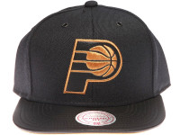 Indiana Pacers Gold Logo Leather Brim Mitchell & Ness Black Snapback Hat