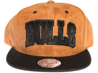 Chicago Bulls Brown Suede Arch Mitchell & Ness Snapback Hat
