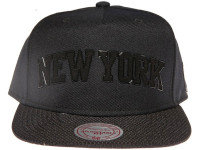 New York Knicks Black Arch Mitchell & Ness Snapback Hat