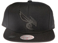 Charlotte Hornets NBA Black Reflective Logo Mitchell & Ness Black Snapback Hat