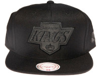 Los Angeles Kings NBA Black Relflective Logo Mitchell & Ness Black Snapback Hat