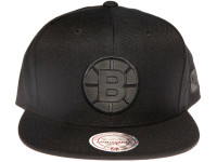Boston Bruins NHL Black Relflective Logo Mitchell & Ness Black Snapback Hat