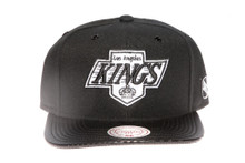 LA Kings Arch with Carbon Brim Mitchell & Ness Snapback Hat