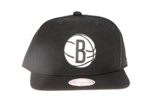 Brooklyn Nets Logo Canvas Mitchell & Ness Snapback Hat
