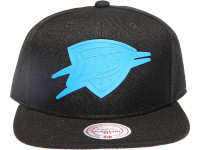 OKC Thunder Rubberised Logo Black Mitchell & Ness NBA Snapback Hat