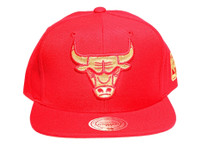 Chicago Bulls Gold logo Unite Red Mitchell & Ness NBA Snapback Hat