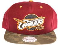 Cleveland Cavaliers Logo Camo Brim Mitchell & Ness Maroon Snapback Hat