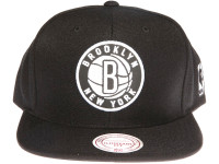 Brooklyn Nets Reflective Logo Mitchell & Ness NBA Black Snapback Hat