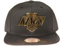 Los Angeles Kings Gloss Gold Logo Woven Brim Mitchell & Ness NBA Black Snapback Hat