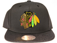 Chicago Blackhawks Gloss Gold Logo Woven Brim Mitchell & Ness NHL Black Snapback Hat