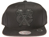 Chicago Blackhawks Genuine Leather Logo Mitchell & Ness NHL Black Snapback Hat
