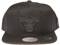 Chicago Bulls Genuine Leather Logo Mitchell & Ness NBA Black Snapback Hat