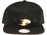 Anaheim Ducks Gold Badge Logo Mitchell & Ness NHL Black Snapback Hat
