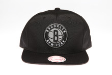 Booklyn Nets Suede Leather Logo Arch Mitchell & Ness Black Snapback Hat