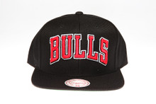 Chicago Bulls Black Block Script Arch Mitchell & Ness Snapback Hat