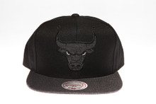 Chicago Bulls Charcoal Two-Tone Arch Mitchell & Ness Snapback Hat