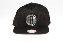 Brooklyn Nets Blackout Mesh Overlay Logo Mitchell & Ness Snapback Hat