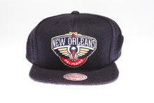 New Orleans Pelicans Logo Flannel Mitchell & Ness Snapback Hat