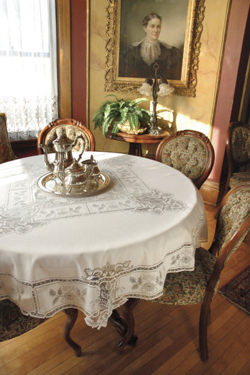 """Heirloom 70"""" Round Lace Tablecloth"""