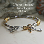 IN-187  Prayer is the key that unlocks All doors....Bracelet